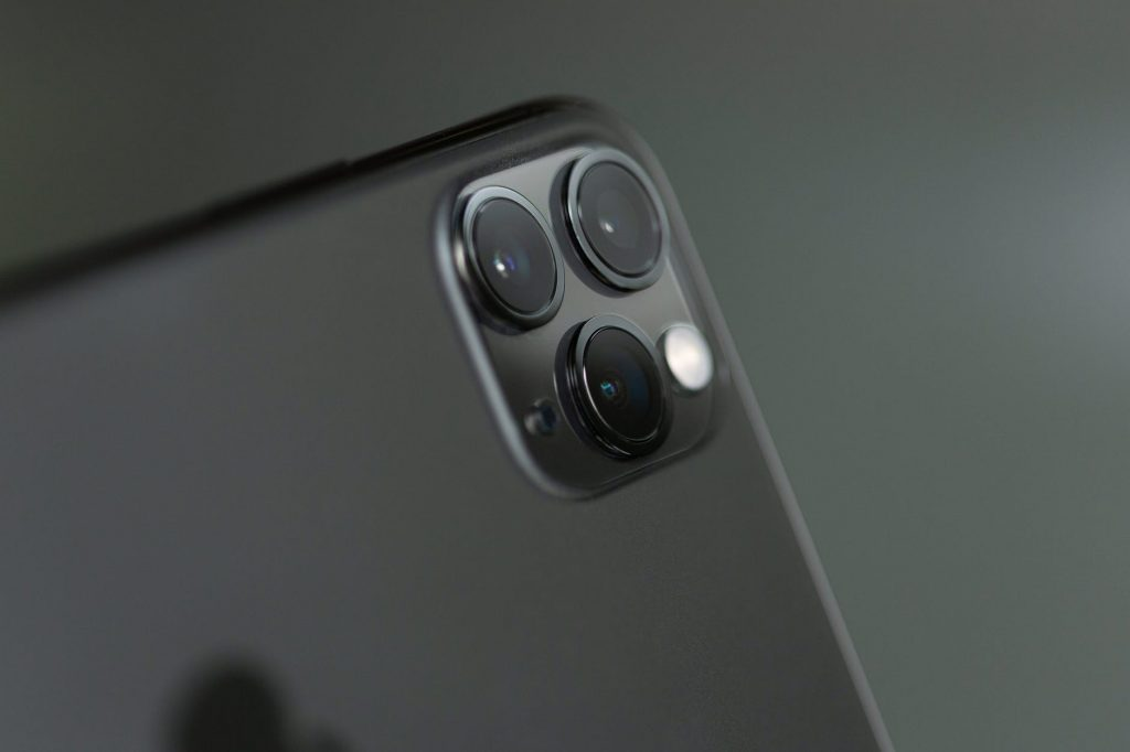 Which iPhone has the best camera 2020? iPhone 11 Pro and Max has best camera on the market