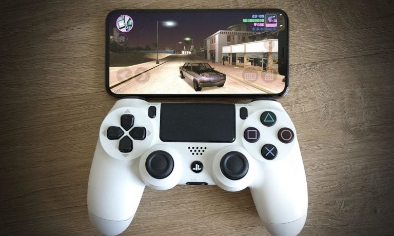 5 Must-Have iPhone Gaming Accessories For The Best Experience